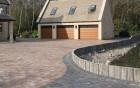 Tumbled block paved driveway