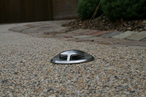 Glw building landscapes construction from concept to for How to install driveway lights